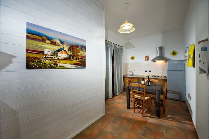 Luminoso appartamento  150 mt dal mare wifi DB