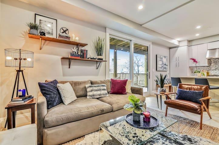 Amazing, Luxe Designer Home | near Beach