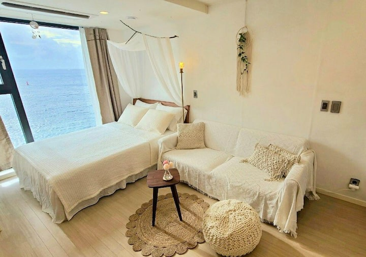 comfy stay with me # nearby 공항,이호테우 해변