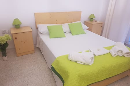 Room 8 - Double room with private bathroom and terrace