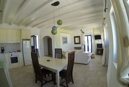 1 Bedroom apartment House by the Sea - Paros - Haus