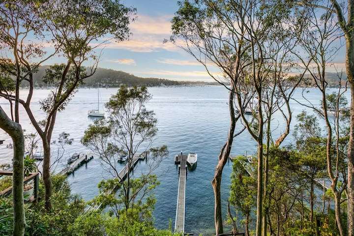 Luxury Island Waterfront on Pittwater