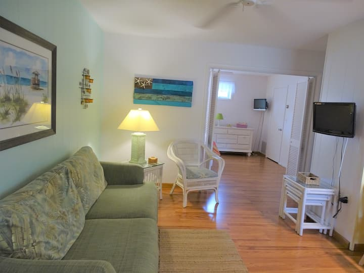 New: Cozy 1BR Beach Condo on Siesta Key!!!