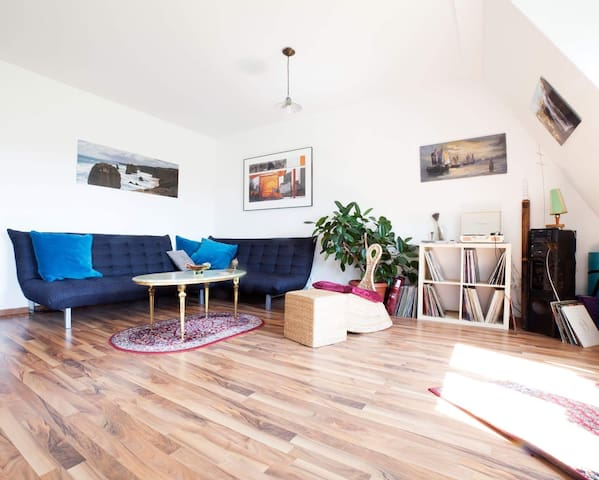 Cozy Apartment with Balocony in Lindenau