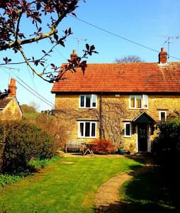 Skye Cottage (rural Dorset) - Bridport