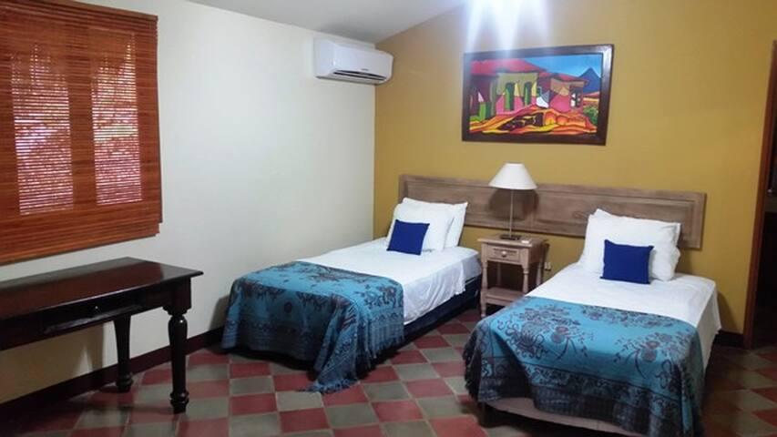 1st bedroom - twin beds