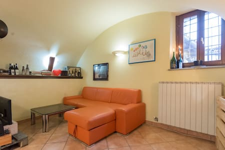 Free apartment in old town center - Ivrea - Apartment - 2