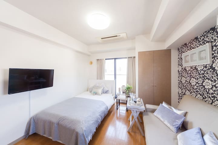 **CENTRAL HIROO!**  + WIFI 13