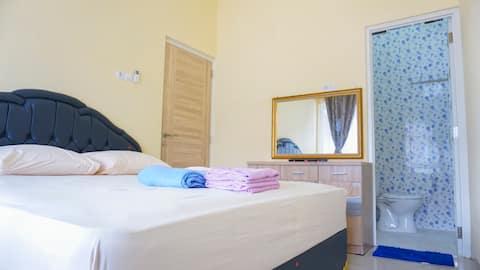 3BR maison neuve centre-ville AC Wifi Eau chaude 6A