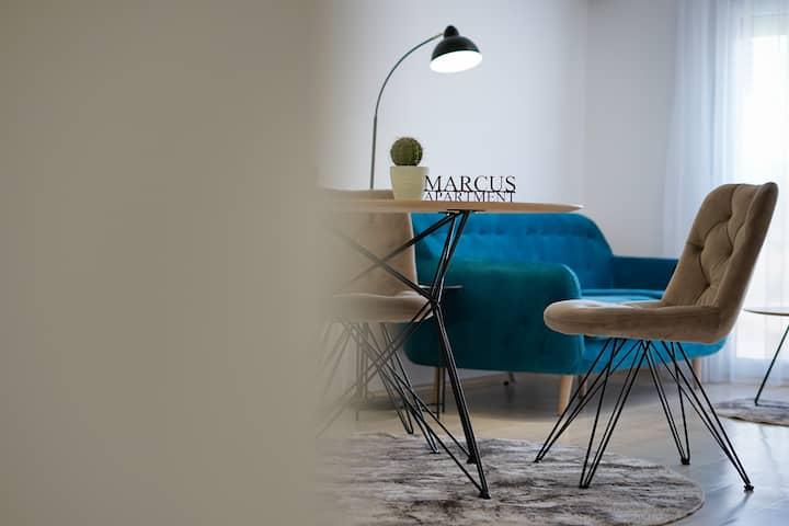 Elegant - Modern - Bright - 1BR - Marcus Apartment