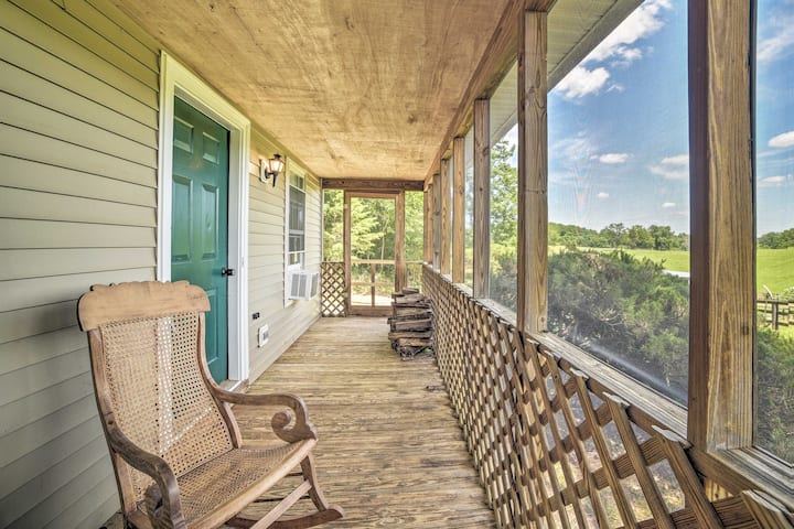 Cozy Rixeyville Cottage w/Deck, Grill, & Stabling!