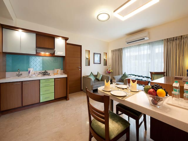 Luxurious and Comfortable 2 Bedroom in Bandra! - Maharashtra - Serviceret lejlighed