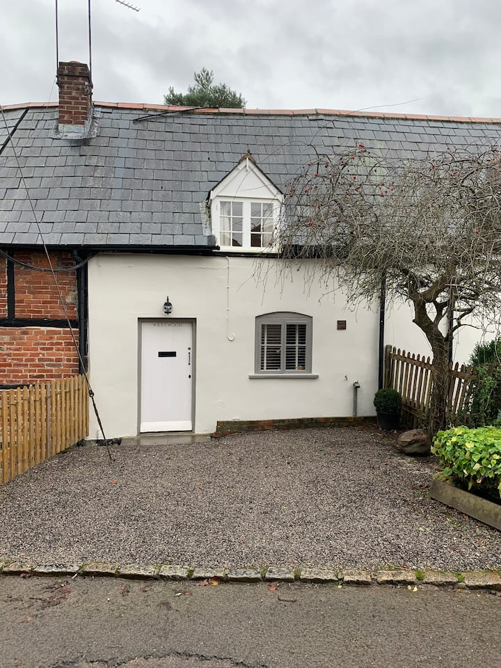 "Newly renovated Grade II listed cottage ""Westwood"""