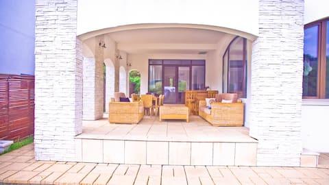 Luxury & Elegant Villa near Bucharest