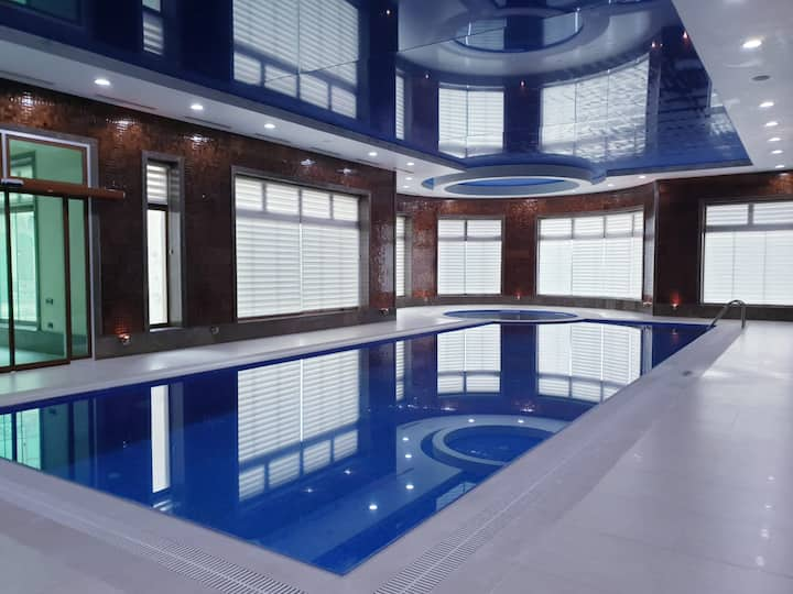Private pool, turkish bath, sauna, massage room