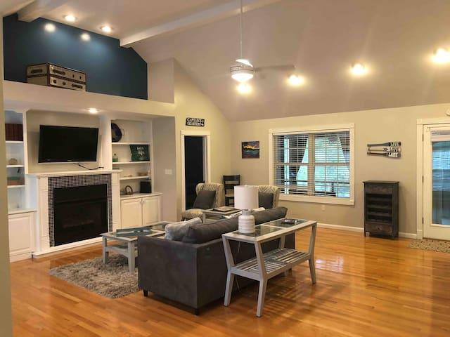 Great room with vaulted ceilings includes convertible sofa to queen bed