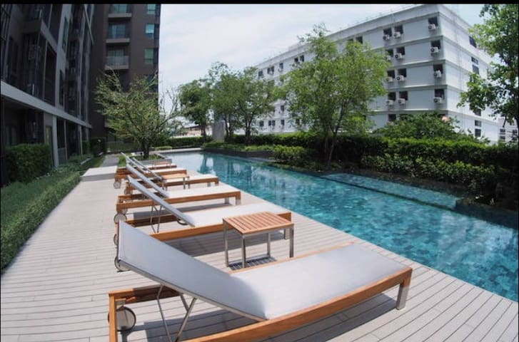 Condo next mrt,Share room,Pool,Wifi - Banguecoque - Apartamento