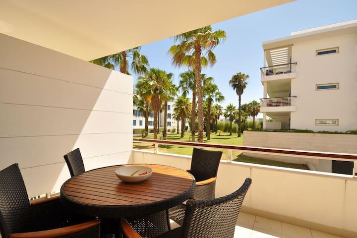 Excellent 1 bedroom ground floor apartment at the Marina de Lagos