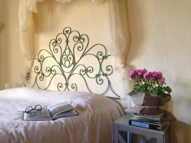 Beautiful room in Etruscan house & super breakfast