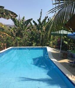 Cozy Shalpa's beach house