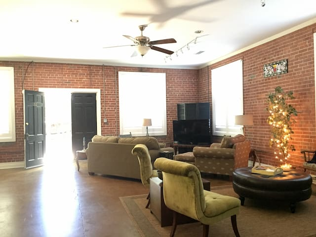 Modern, Private Condo on East Broad - Athens - Apartament