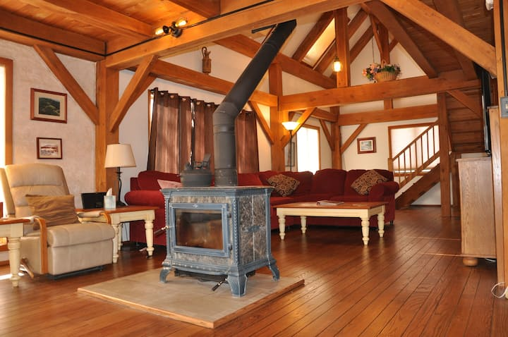 Post & Beam Home Ideal for Large Families-Groups