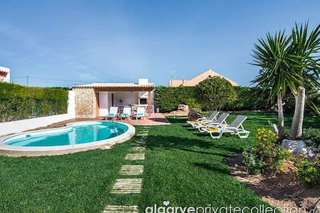 lovely 3 bedroom villa with private pool in Sagres - サグレス