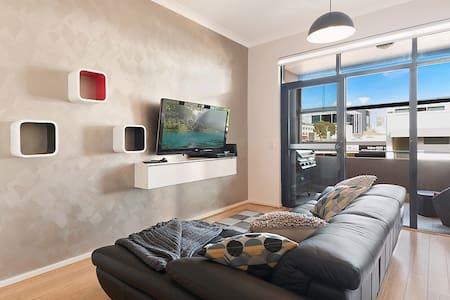 Central Modern 1BR unit - Perth - Apartment