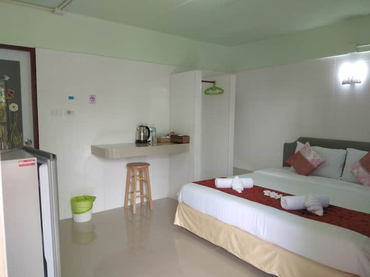 Cozy Room close to Yatch Heven by Chamil House