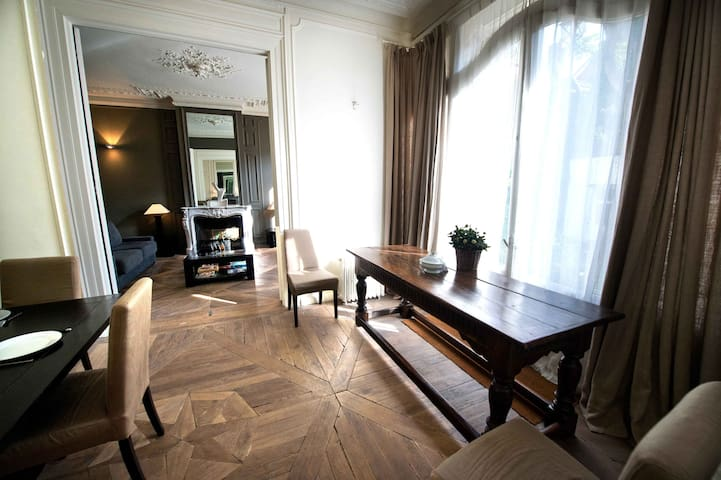 Elegant furnished 4 guests flat, Vieux Lille