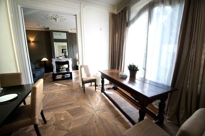 Elegant furnished flat, Vieux Lille by LOVELYDAYS