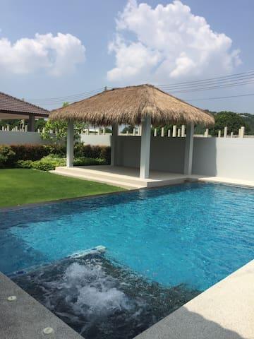 Pattaya Pool villa -  Banglamung - Rumah
