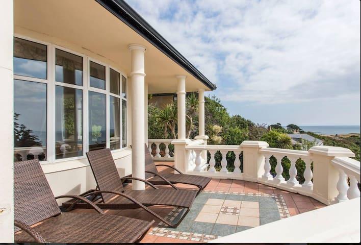 Dazzling Sea View Villa on Dublin Bay.