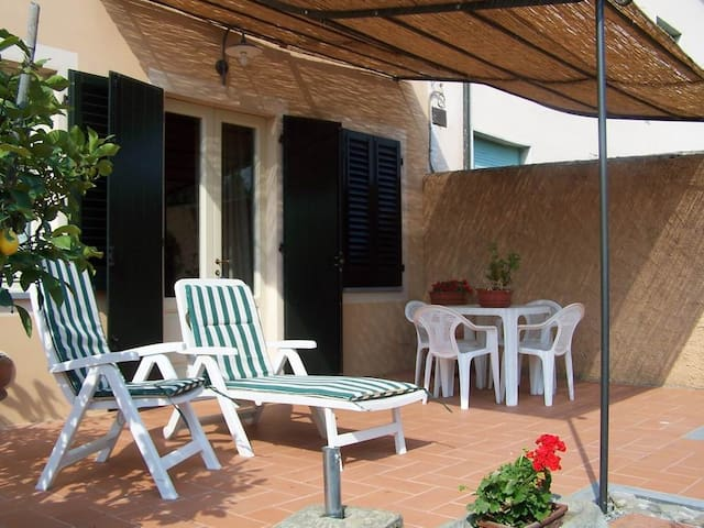 The House in Lammari, few steps from Lucca