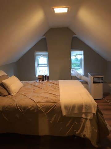 Private Bed & Bath in Loft