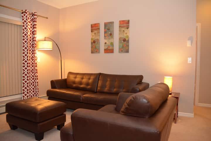 Homey Luxury Condo by Penten Suites