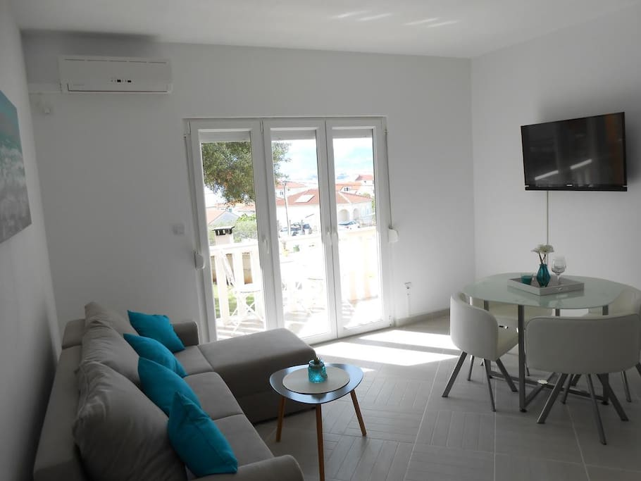 Living room, Surface: 8 m²