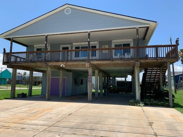 NEW Listing - The Mermaid Hideaway - 4 bedrooms!