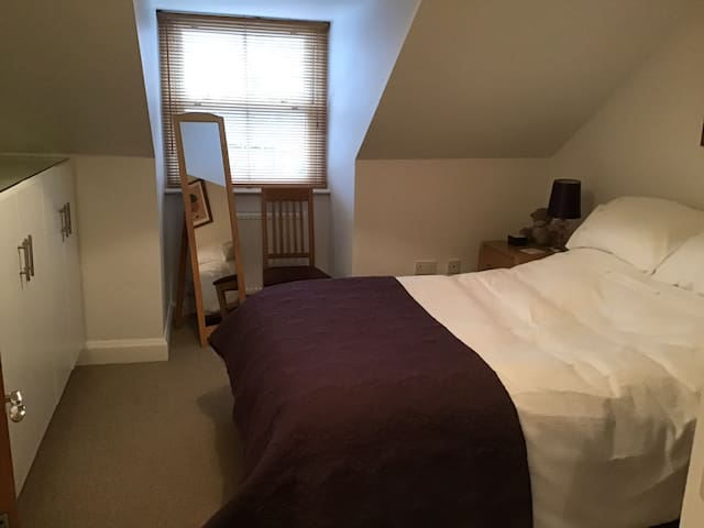 Luxury double bedroom with en-suite.