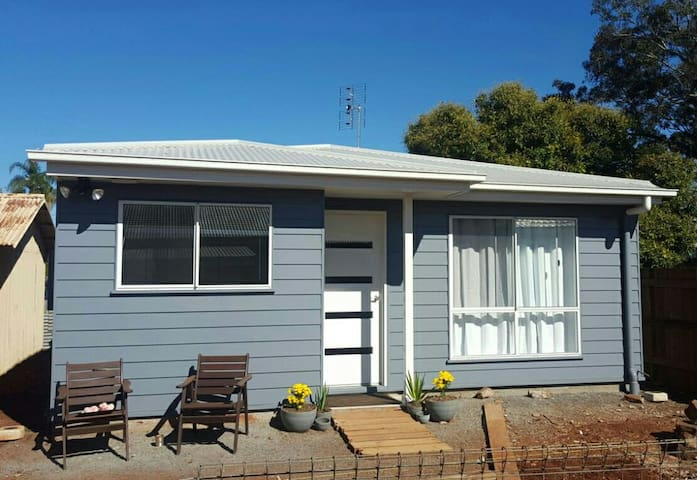 Entire Private Granny Flat in Toowoomba CBD - Newtown - Gästehaus