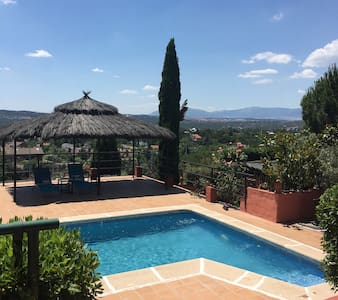 A Charming Cottage - Torrelodones - Rumah
