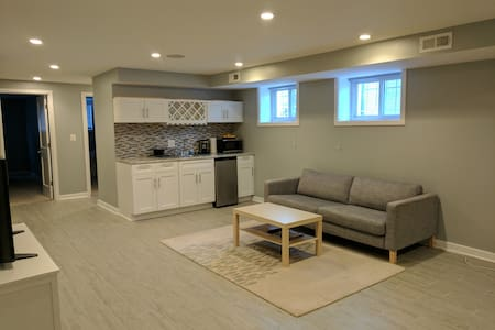 Spacious, bright, modern 2BR in Columbia Heights - 华盛顿 - 其它
