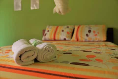 Habitacion Matrimonial en Perezoso Guesthouse