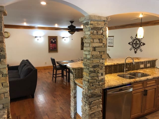 Brookhaven Gem: Private Room Shared BTH with Wi-Fi