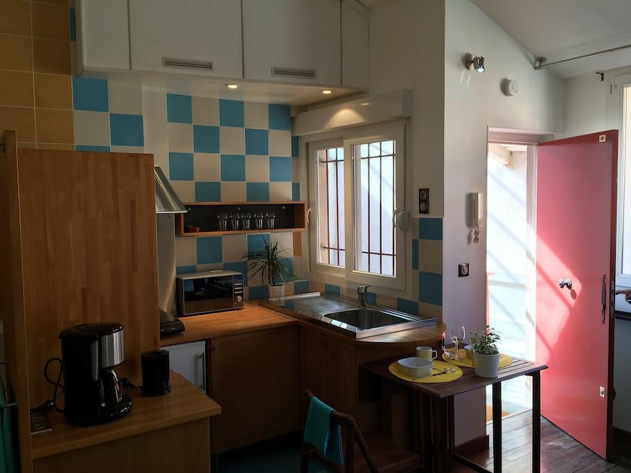 studio au coeur du vieux lyon appartamenti in affitto a lyon 5e arrondissement auvergne rh ne. Black Bedroom Furniture Sets. Home Design Ideas