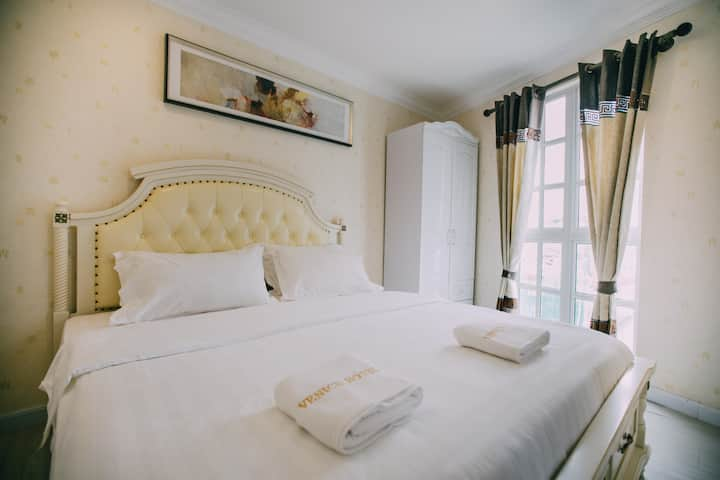 [NEW IN TOWN] Executive Suite @ Hotel Venice