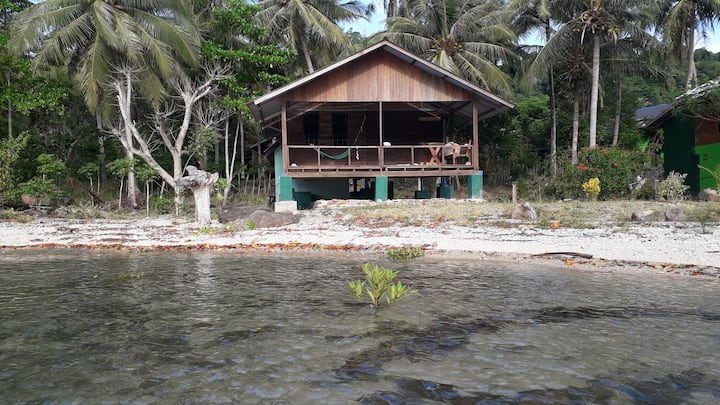 Stone Park Coconut cabin.