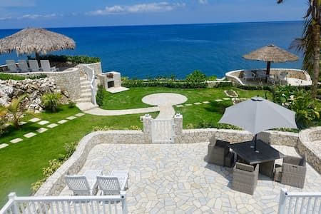 Stunning Ocean View - Oceanfront Townhouse Negril