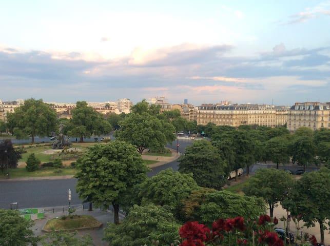 Chambre privée et petit déjeuner / Nation-Bastille