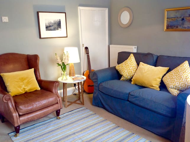 Romantic, cosy Wells cottage, close to harbour - Wells next the Sea - Huis